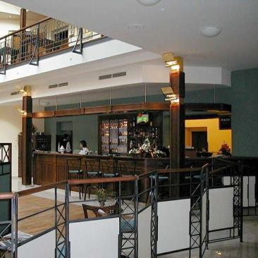 Návrh atypickéko zábradlí, paravánů a barových pultů ve spolupráci s ateliérem ArchiCon plus