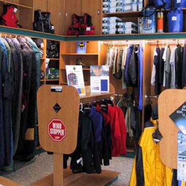 Vybavení outdoorové prodejny v Příbrami